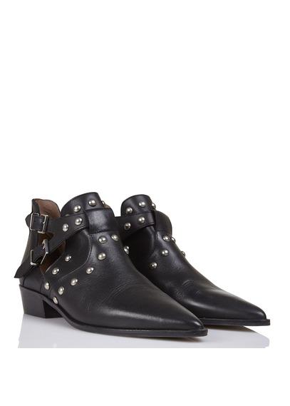 Boots ouvertes en cuir noir avec clous IKKS, collection printemps-été 2018.