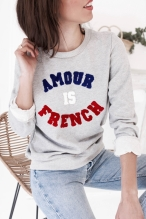 Sélection shopping de Mademoiselle Miaouss, sweat shirt Amour is French de Pretty Wire